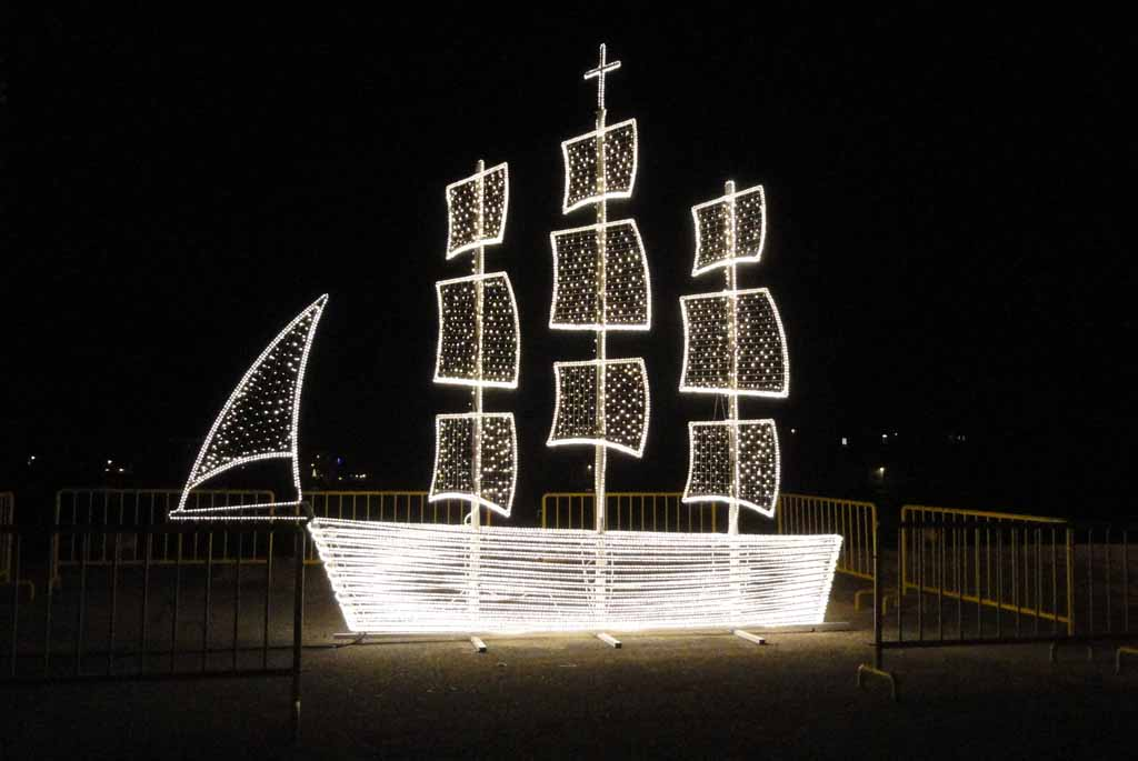 sailing boat christmas1